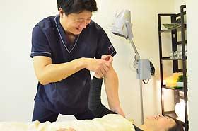 鍼の後に関節の調整